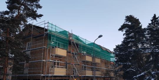 Takrenovering på Grundläggarvägen i Bromma